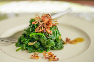 Sauteed-Spinach-and-Shallots-2-1024x683